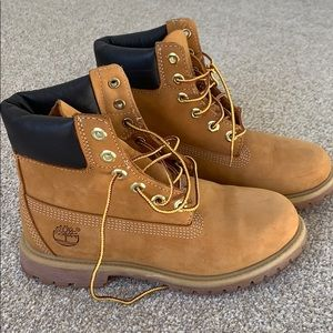 Never worn before woman's timberland boots